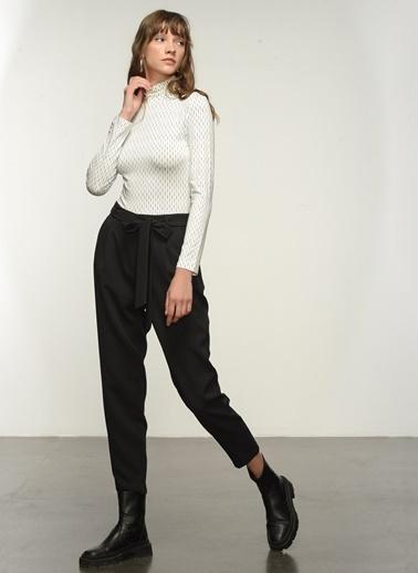 NGSTYLE NGSTYLE Kadın Yüksek Bel Kuşaklı Pantolon Siyah